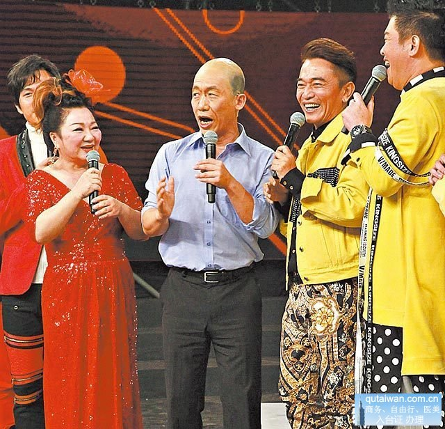 继白冰冰(左)后,吴宗宪(右二)将担任高雄观光大使