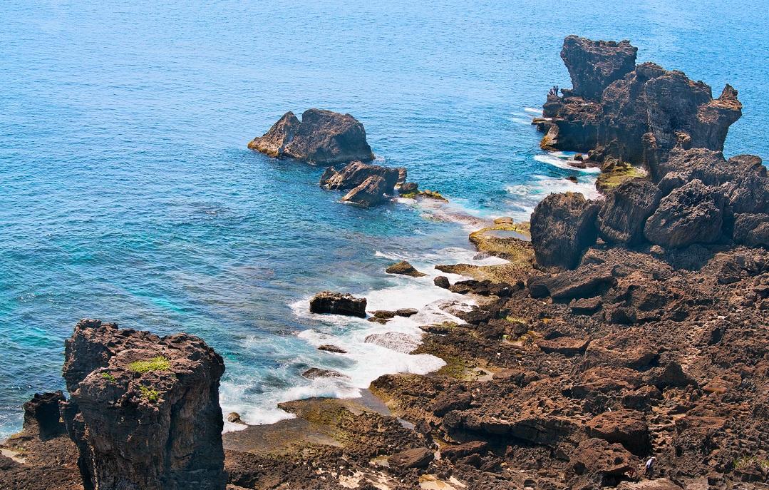 海边悬崖峭壁