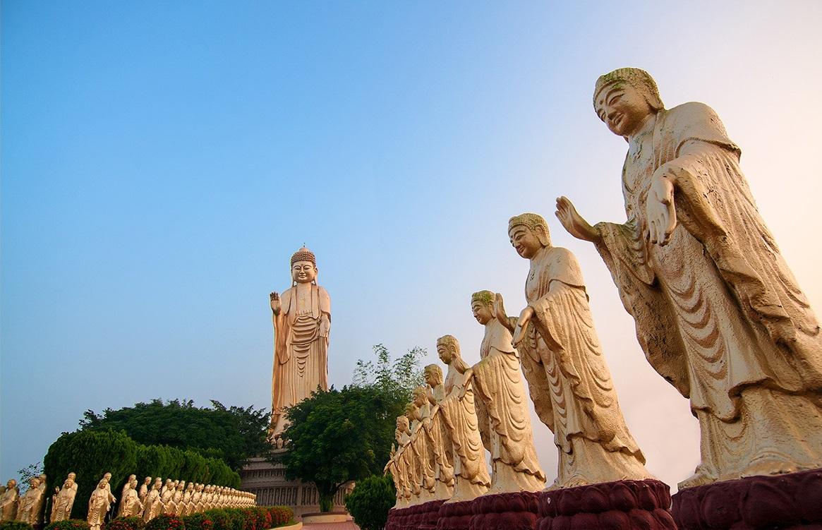 佛光山小型金身雕像