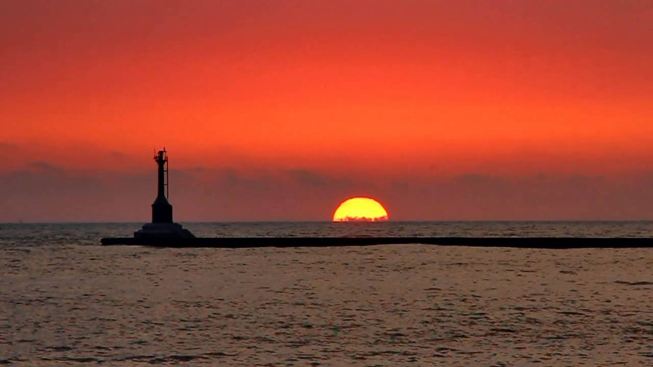 夕阳西下 海天一色