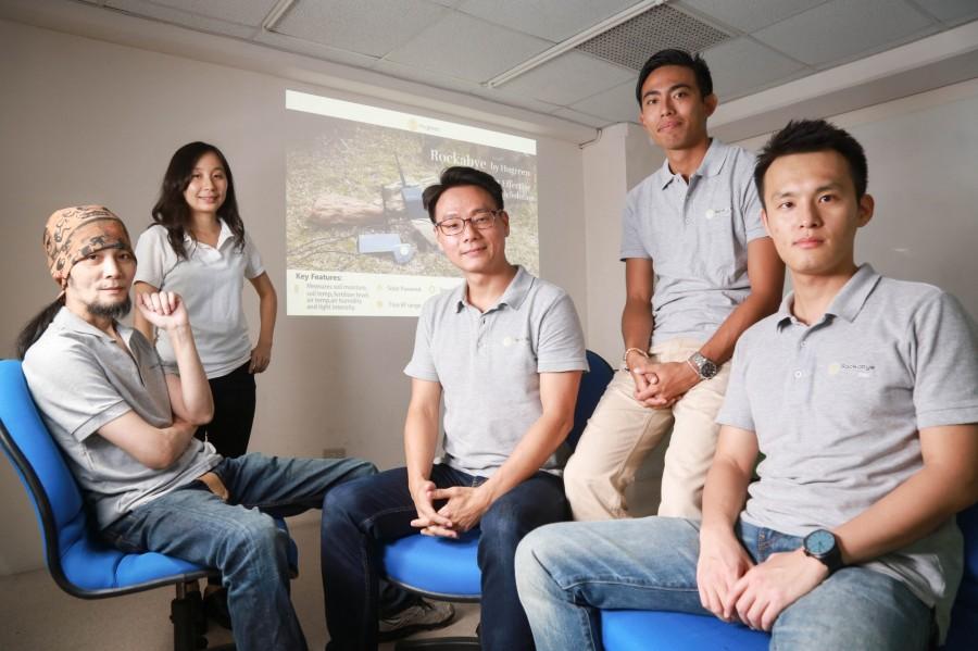 创办人李厚宽(图中)带领善农科技团队打造全球精准农业解决方案平台。