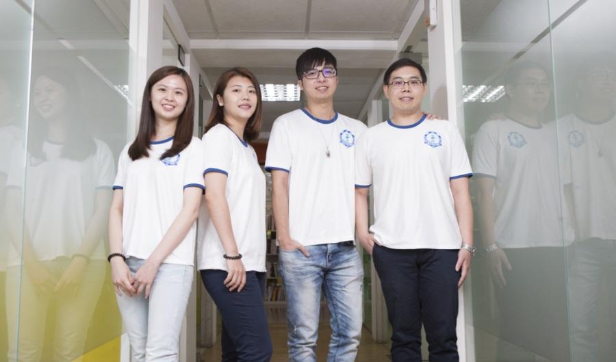 Akubic 团队,左起:研究员颜奕韩、研究员林品萱、研发长刘佑诚、技术长陈冠荣