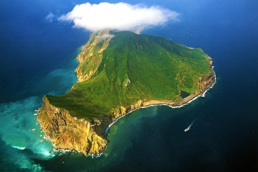 空中俯瞰龟山岛