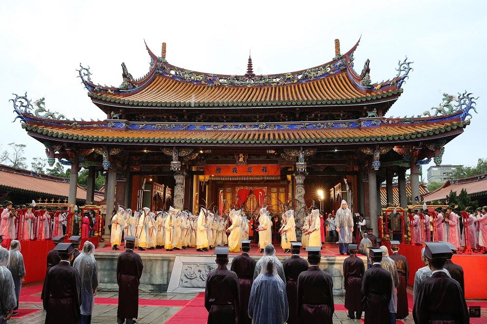 孔庙演出中国传统文化