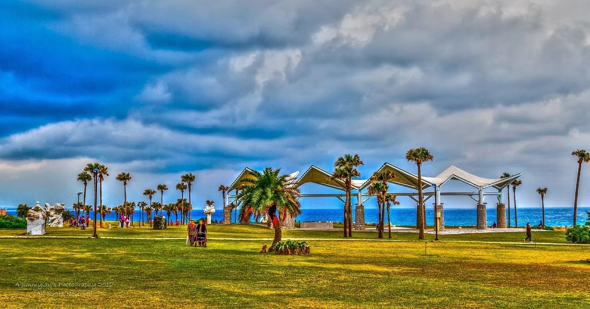 海景超美 游客拍照
